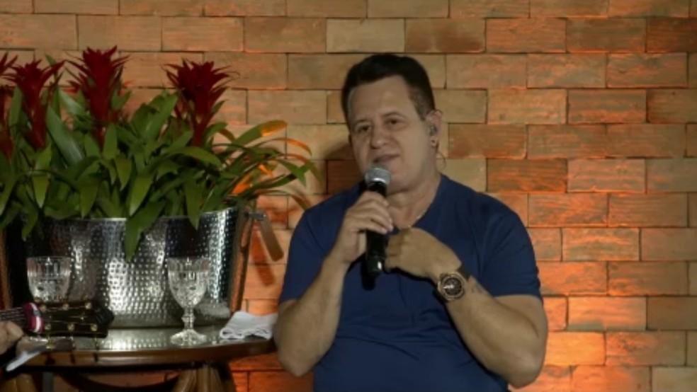 Marrone fala sobre passado com crises de pânico — Foto: Reprodução/TV Globo