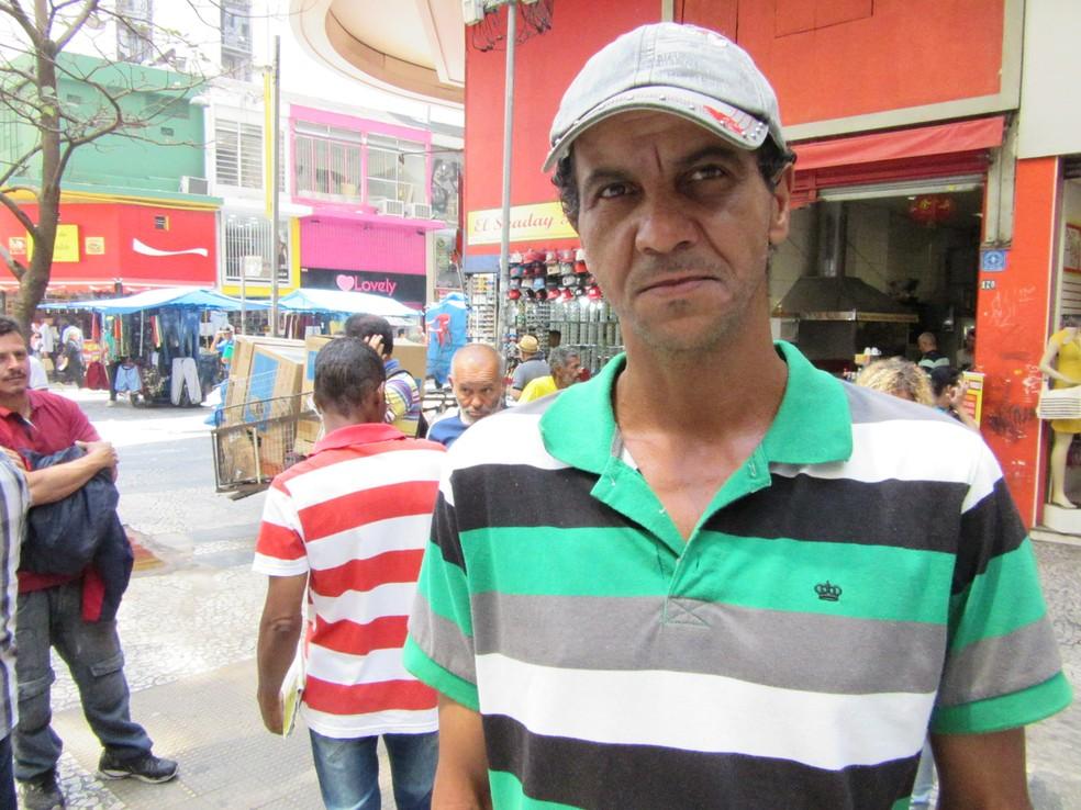 Francisco Aparecido Siqueira Silva não sabe o que é um emprego com registro há mais de 2 anos: