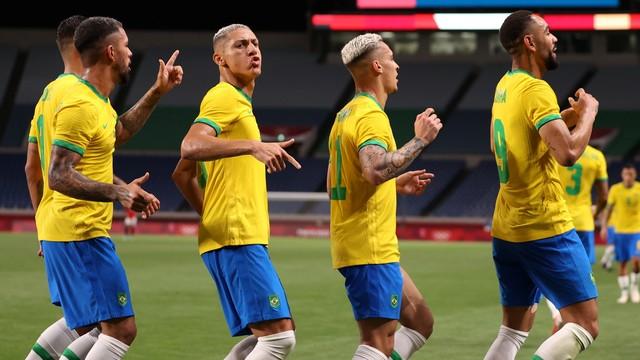 A festa de Matheus Cunha e companhia após o gol do Brasil contra o Egito no futebol, Olimpíadas de Tóquio 2020