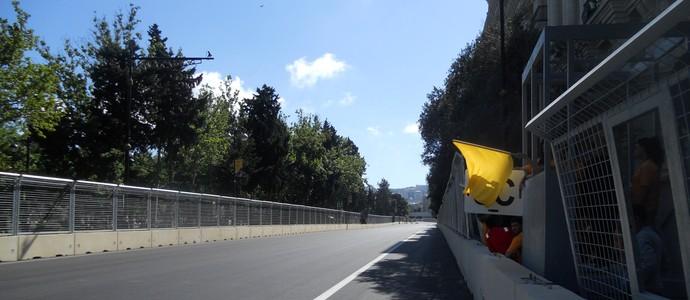 A longa reta, desta vez sem curvas leves, depois da curva 20, onde o DRS poderá ser ativado Circuito de Baku Azerbaijão Fórmula 1 (Foto: Livio Oricchio)