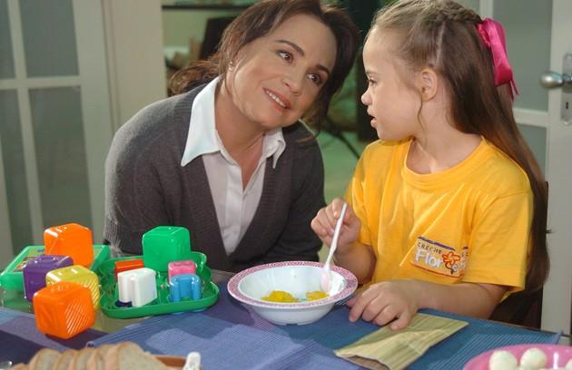 Em 'Páginas da vida', de 2006, Regina Duarte foi, pela terceira vez, a Helena. Ela criava a neta com Síndrome de Down na história exibida pela Globo (Foto: Renato Rocha Miranda/ TV Globo)