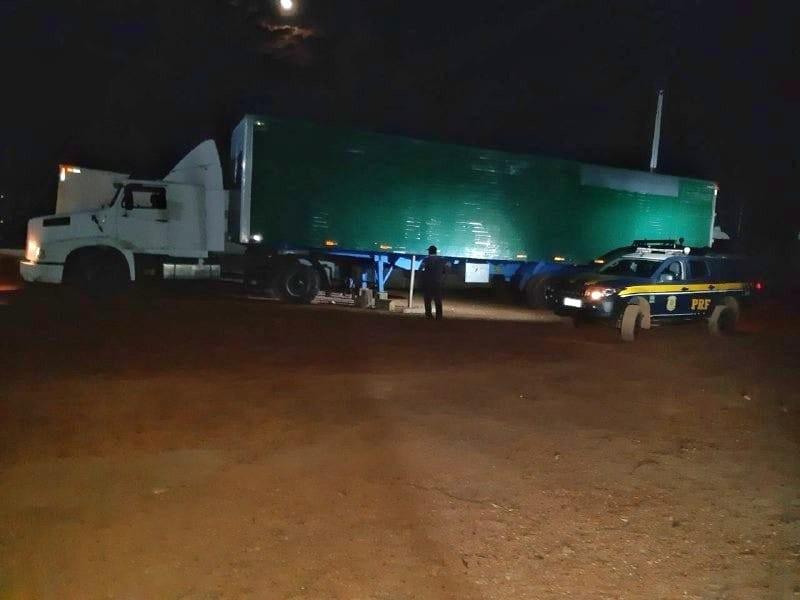 Caminhoneiro é detido após apresentar documento falso durante fiscalização na BR-153 - Notícias - Plantão Diário