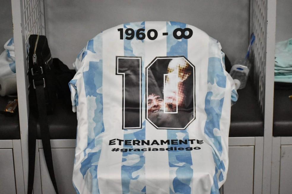 Camisa estreou nesta sexta, pela seleção olímpica, e contou com homenagem a Maradona — Foto: Reprodução/Afa