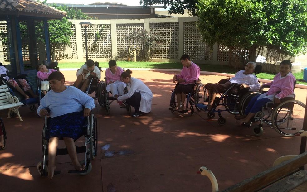 Vila São Cottolengo abriga pessoas com deficiência em Trindade, Goiás (Foto: Vitor Santana/G1)