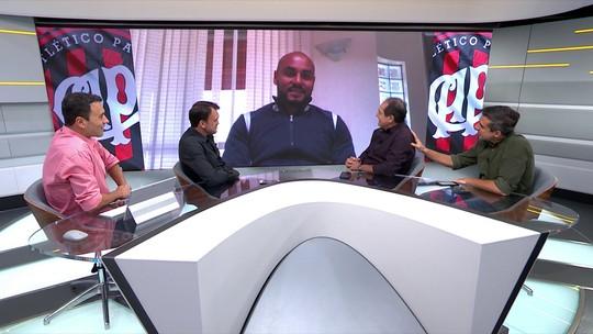 Jonathan fala sobre vitória do Atlético-PR, gramado da Arena da Baixada e Tiago Nunes