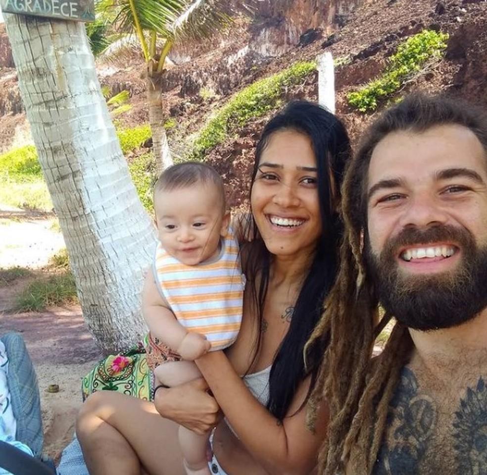 Stella Souza, de 33 anos, Hugo Pereira, de 32, e o filho deles, Sol, de 7 meses, morreram após desabamento de falésia em Pipa — Foto: Arquivo pessoal