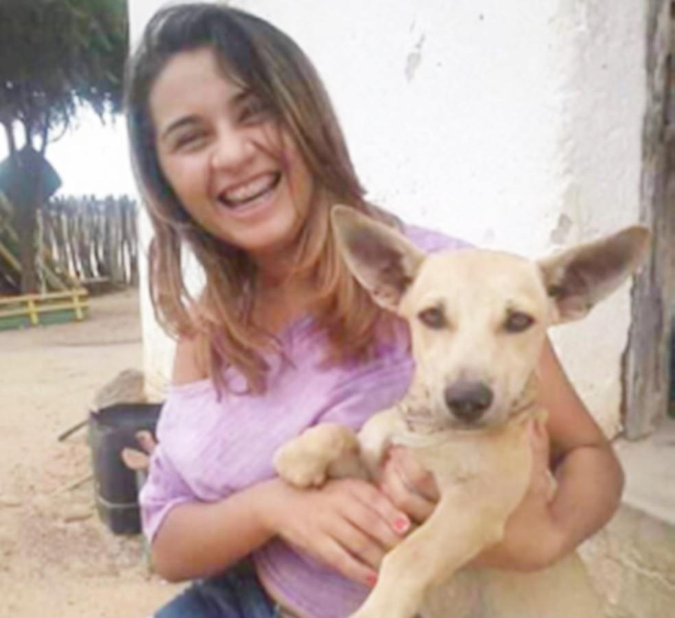Janaína Soares da Silva tinha 18 anos — Foto: Arquivo pessoal