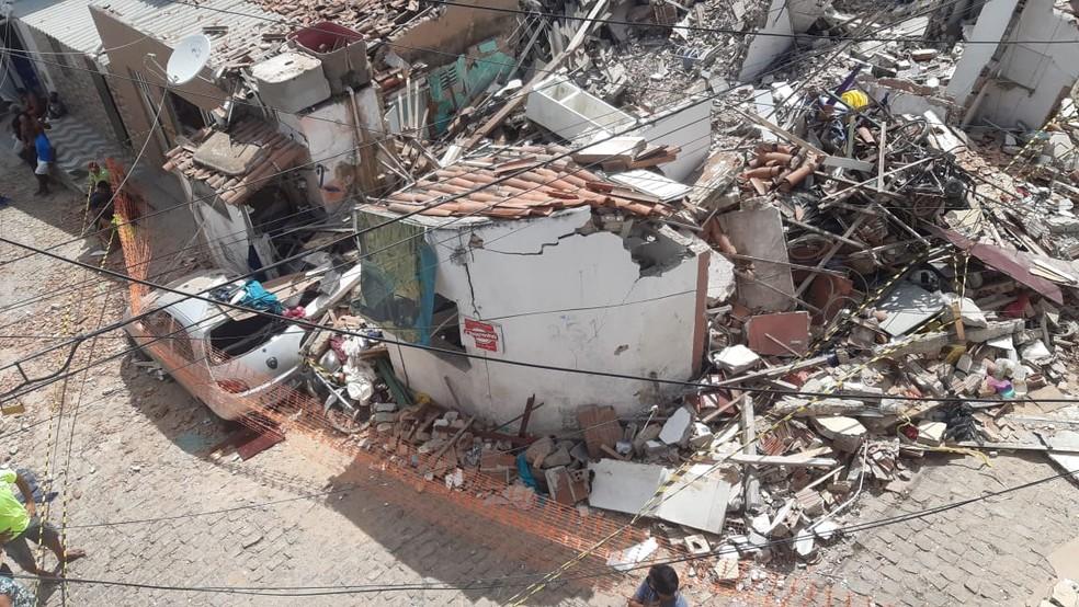 Desabamento de casas em Mãe Luiza, Zona Leste de Natal — Foto: Sérgio Henrique Santos/Inter TV Cabugi