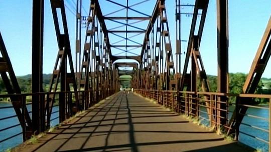 Ponte na divisa de Minas Gerais com São Paulo é interditada