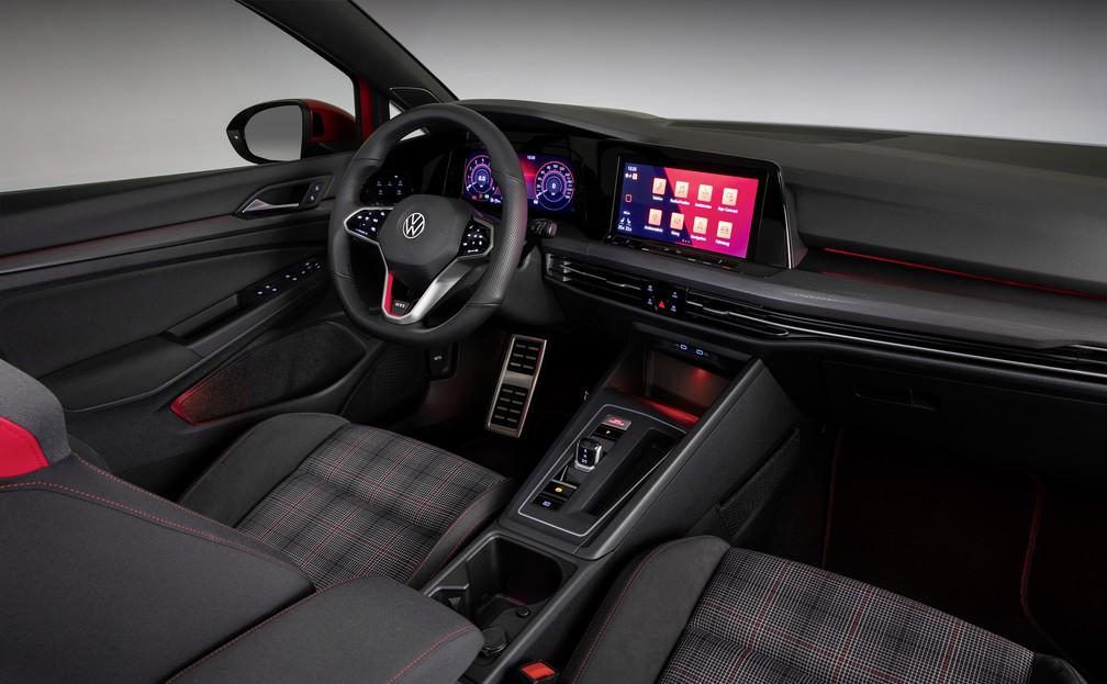 Interior do Volkswagen Golf GTI — Foto: Divulgação