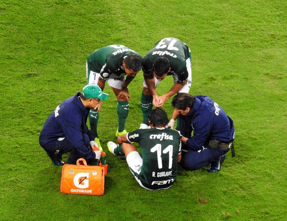 Ricardo Goulart se machucou no duelo contra o Fortaleza, pelo Campeonato Brasileiro — Foto: Tossiro Neto