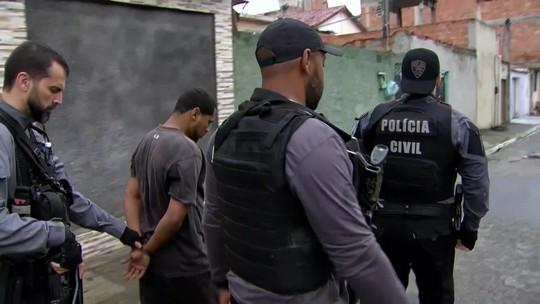 Polícia cumpre 13 mandados de prisão contra traficantes no RJ