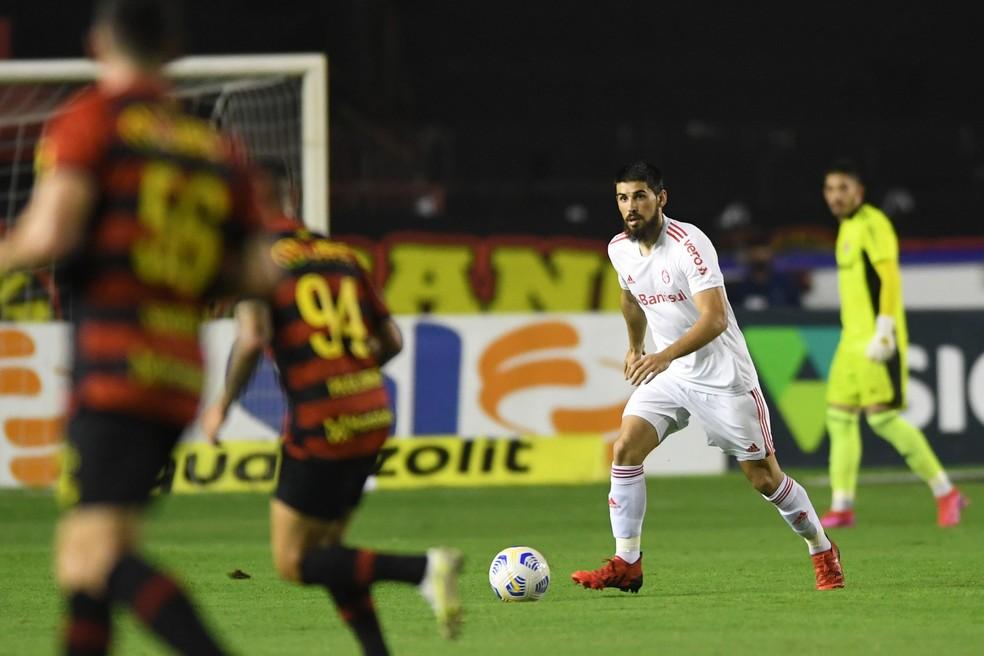 Bruno Méndez manteve nível de solidez no sistema defensivo — Foto: Ricardo Duarte/Divulgação, Inter