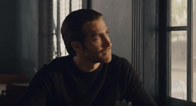 37a8cf6036a Jake Gyllenhaal desafia a velocidade em campanha da Cartier (Foto   Reprodução Youtube)