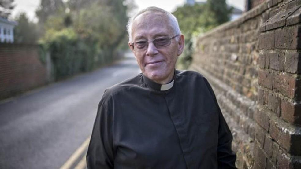 O reverendo David Walford concordou em fazer a defesa de Rachel no tribunal (Foto: Divulgação/BBC)