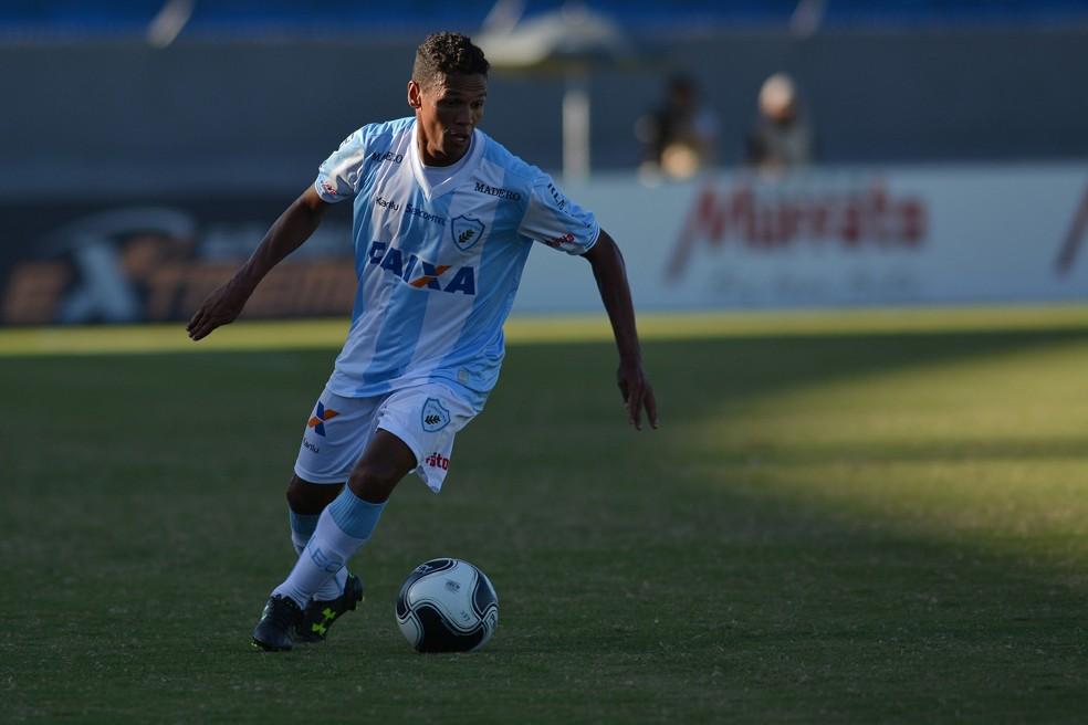Fabinho defendeu o Londrina nas seis primeiras rodadas da Série B (Foto: Gustavo Oliveira/ Londrina Esporte Clube)