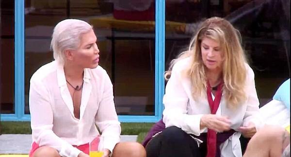Rodrigo Alves e Kirstie Alley no Celebrity Big Brother (Foto: Reprodução-Channel 5)