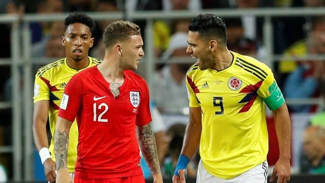 Trippier  e Falcao García discutem em Colômbia x Inglaterra