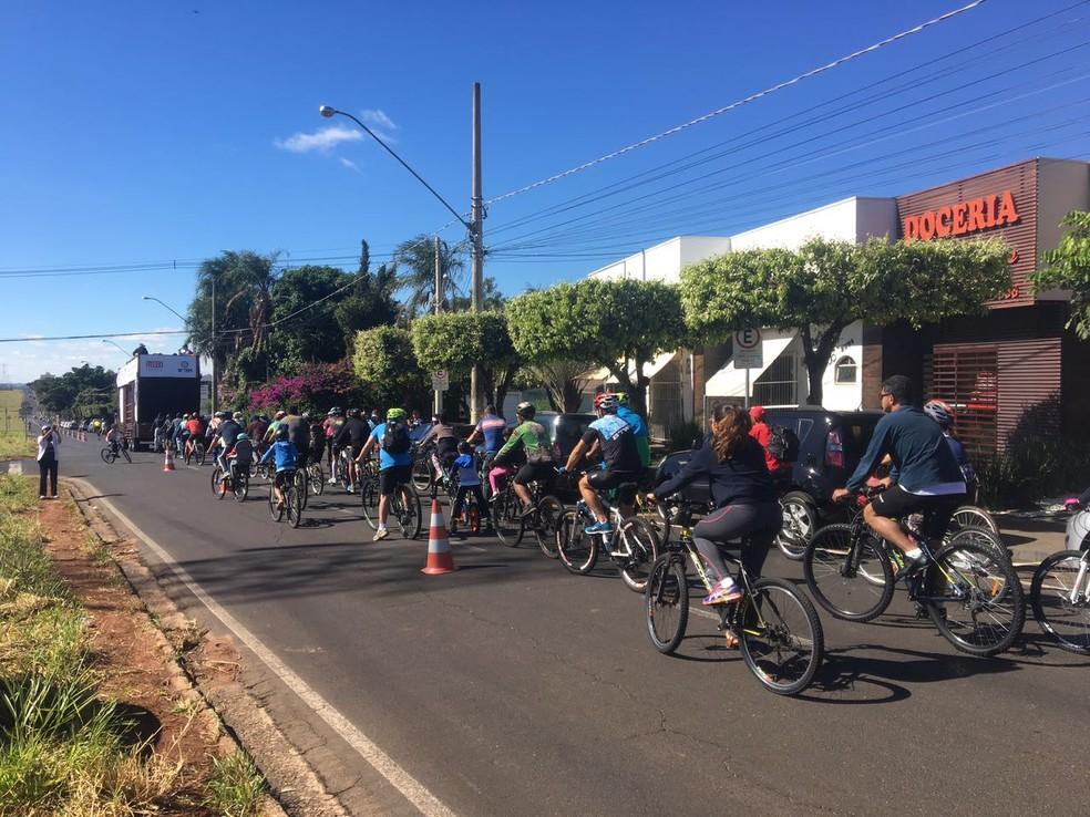 Passeio Ciclístico de Rio Preto (SP) foi realizado neste domingo (20) e ciclistas percorreram cinco quilômetros (Foto: Renato Pavarino/G1)