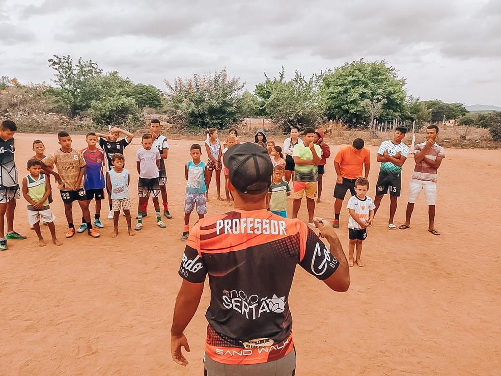Projeto Novo Sertão organiza atividades pedagógicas para crianças e jovens de Betânia do Piauí — Foto: Divulgação