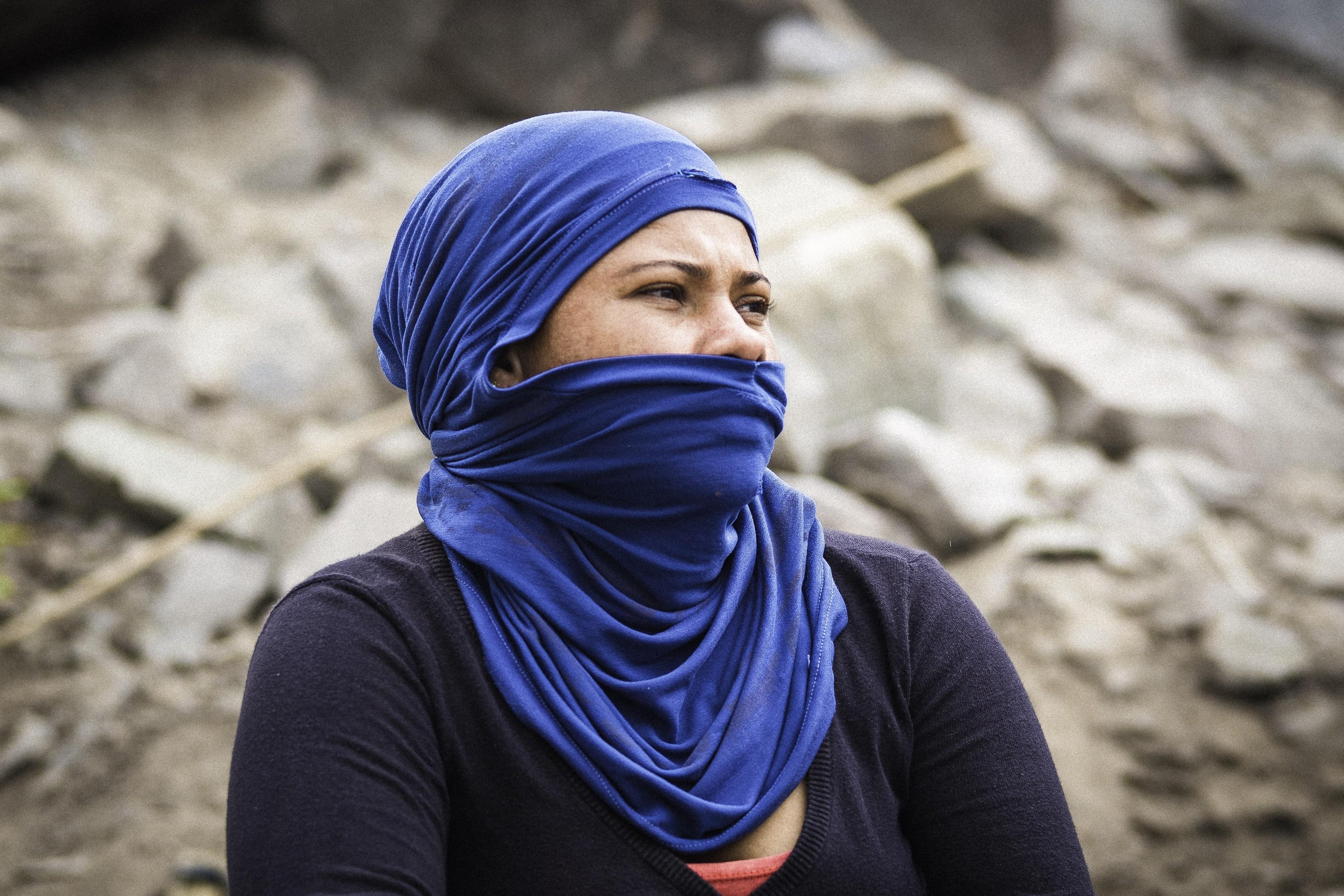 Mulher de azul (Foto: Alexandre Augusto / Divulgação)