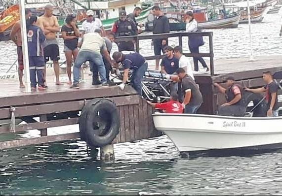 Turista morre engasgado durante passeio de escuna em Angra dos Reis - Notícias - Plantão Diário