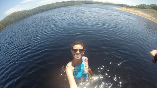 Passeio de caiaque revela belezas do Parque Paulo César Vinha, em Guarapari