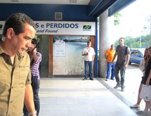 Zinho ouve proposta para reduzir salário, e saída é o mais provável