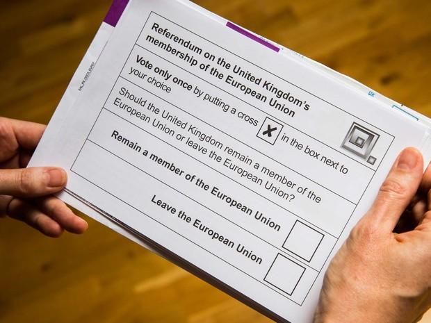 Cédula do referendo sobre a saída da Grã-Bretanha da União Europeia (Foto: ODD ANDERSEN / AFP)