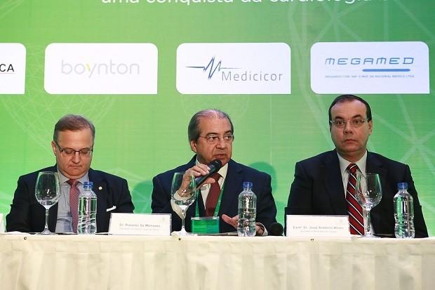 Cardiologistas comemoram 100 mil procedimentos realizados na Hemodinâmica do Hospital Santa Izabel