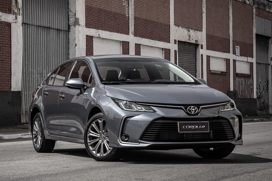 Toyota Corolla XEi 2020 traz o novo motor 2.0 flex de 177 cv e o câmbio CVT que simula dez marchas (Foto: Divulgação)