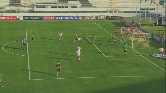 Bicicleta, esquerda, direita, cabeça... relembre gols de Elton, o atacante do Figueira