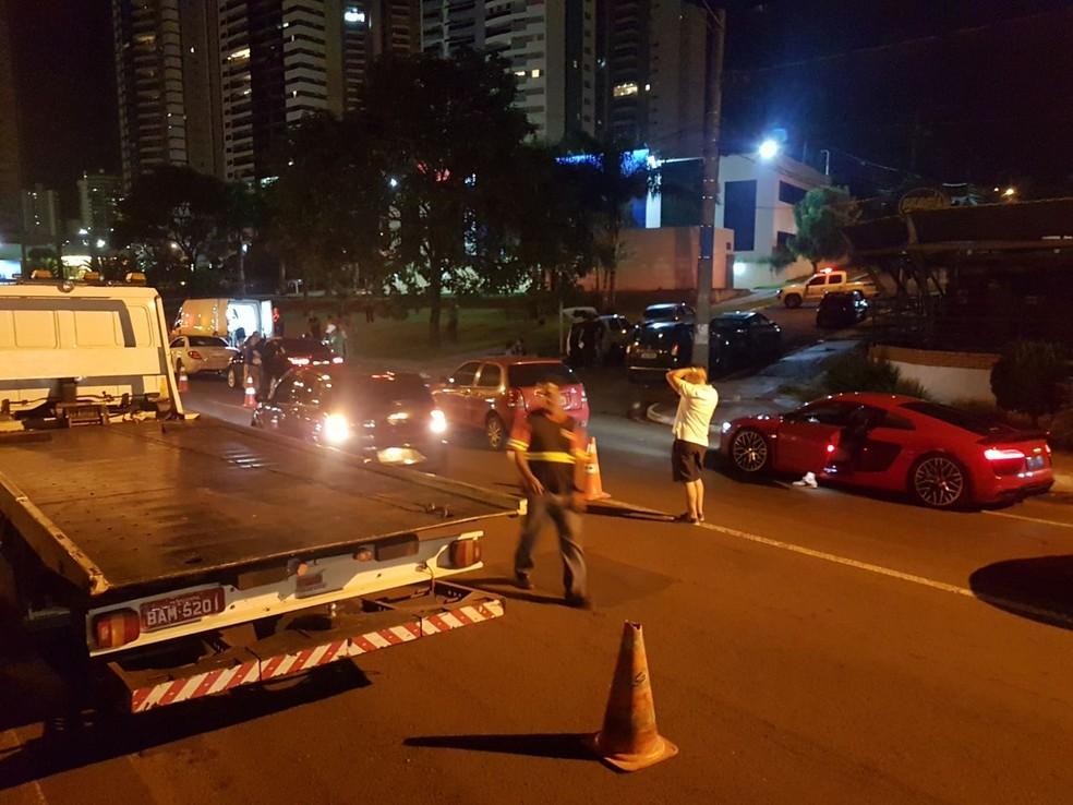 Audi sem placas foi apreendido ao parar em blitz, em Campo Grande, MS (Foto: BPTran/Divulgação)