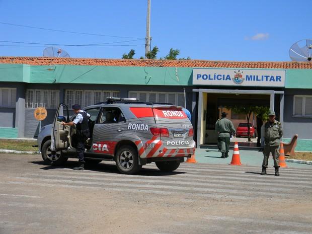Policiais militares do 10º BPM realizam segurança preventiva em Ipauririm e cidades vizinhas (Foto: Honório Barbosa/ Agência Diário)