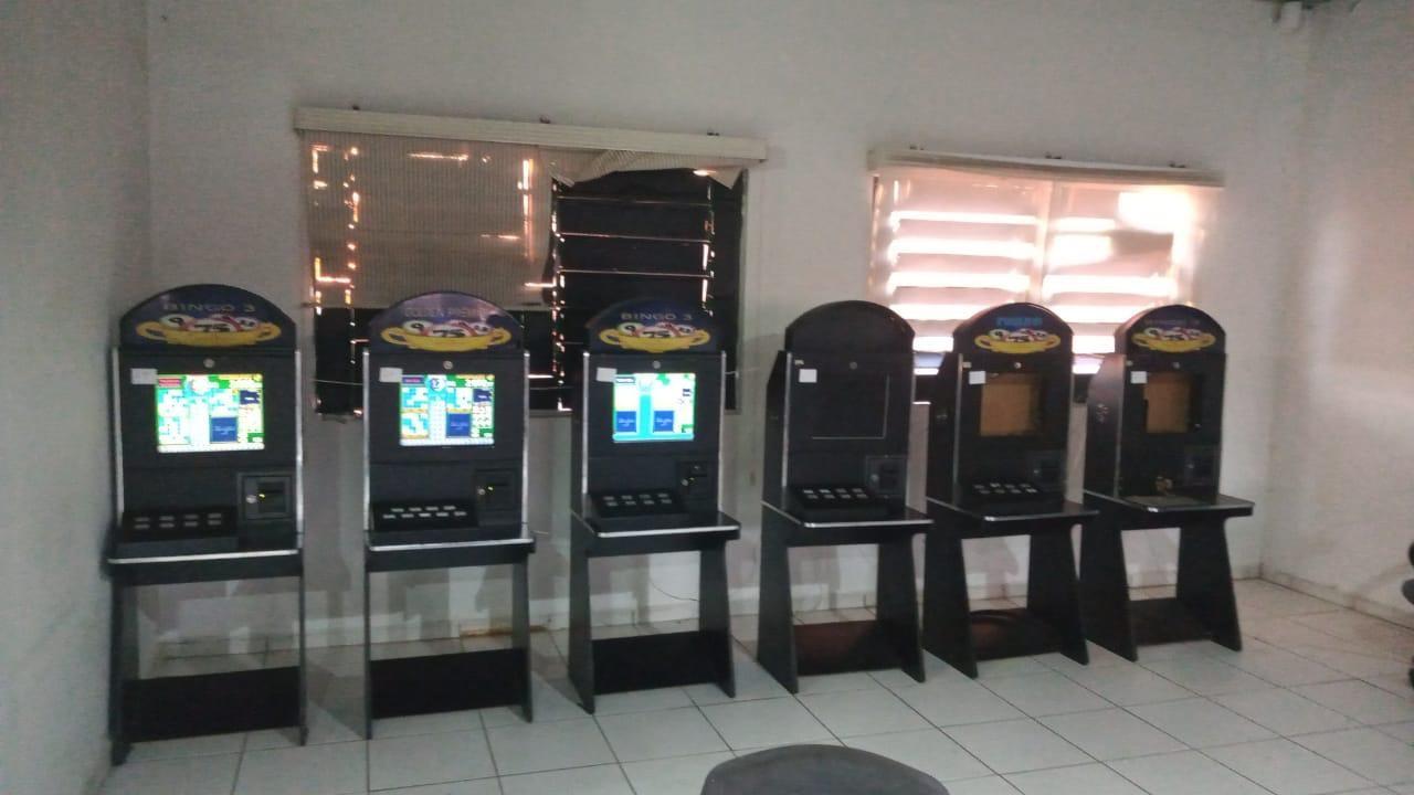 Polícia Civil apreende máquinas caça-níqueis e fecha casa de jogos clandestina em Sorocaba