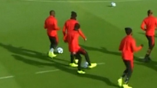 Treino do PSG tem caneta de Neymar em Mbappé e desfalque de Thiago Silva