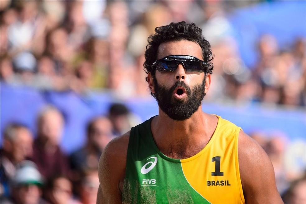 Atleta do vôlei de praia, Pedro Solberg foi absolvido após erro em exame antidoping — Foto: Divulgação/FIVB