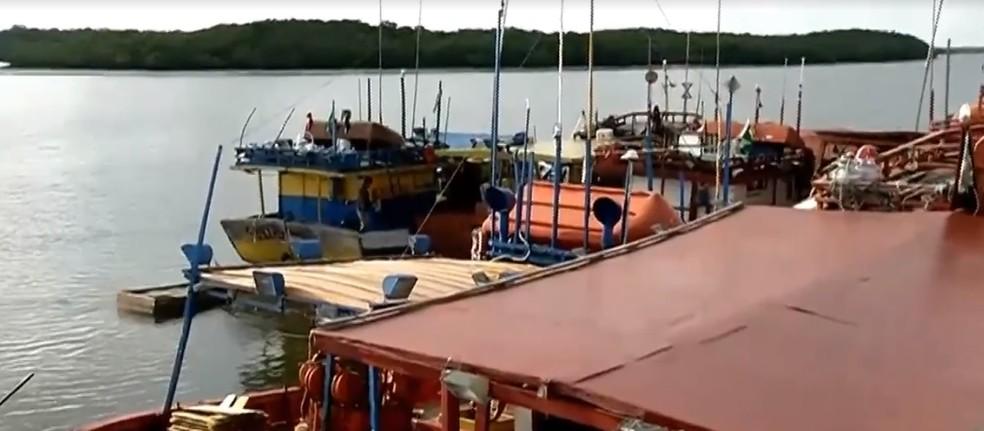 Pescadores partiram de Camocim, no Ceará, e foram achados após 24 dias sem contato no mar — Foto: TV Verdes Mares/Reprodução