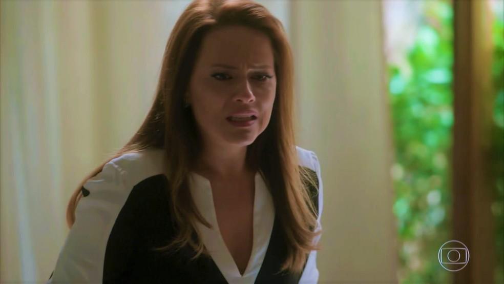 Lili (Vivianne Pasmanter) se desespera ao descobrir que está grávida — Foto: TV Globo