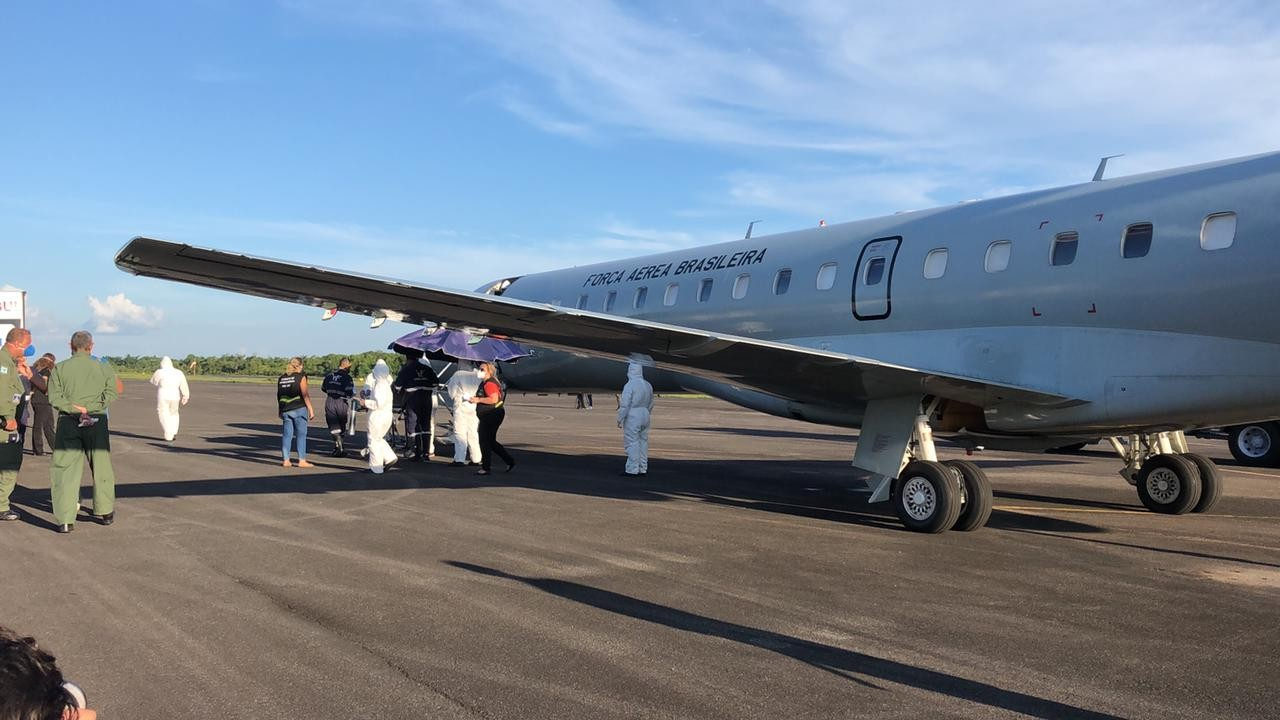 Quinze pacientes com Covid- são transferidos de Manaus para João Pessoa neste domingo