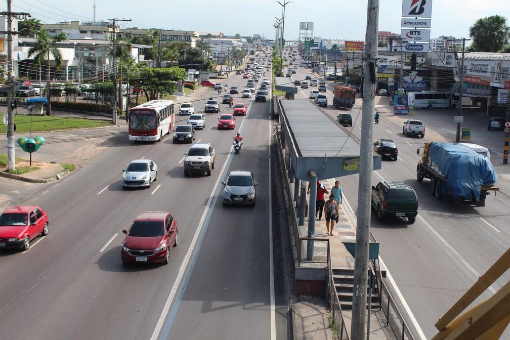 Avenida Torquato Tapajós, bairro Flores (Foto: Patrick Marques/G1 AM)