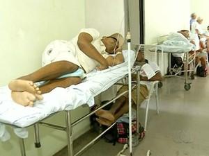 Hospital Regional de Araguaína ficou sem água durante o final de semana e pacientes não puderam tomar banho (Foto: Reprodução/TV Anhanguera)