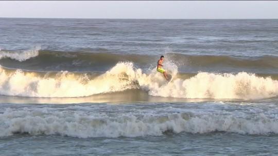 Ilha do Pará recebe campeonato de surfe em água doce