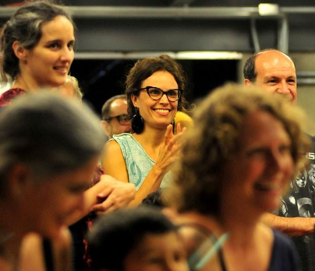 Ao centro, Fabiolla Duarte, idealizadora da feira (Foto: Divulgação / Luven Fotografia)