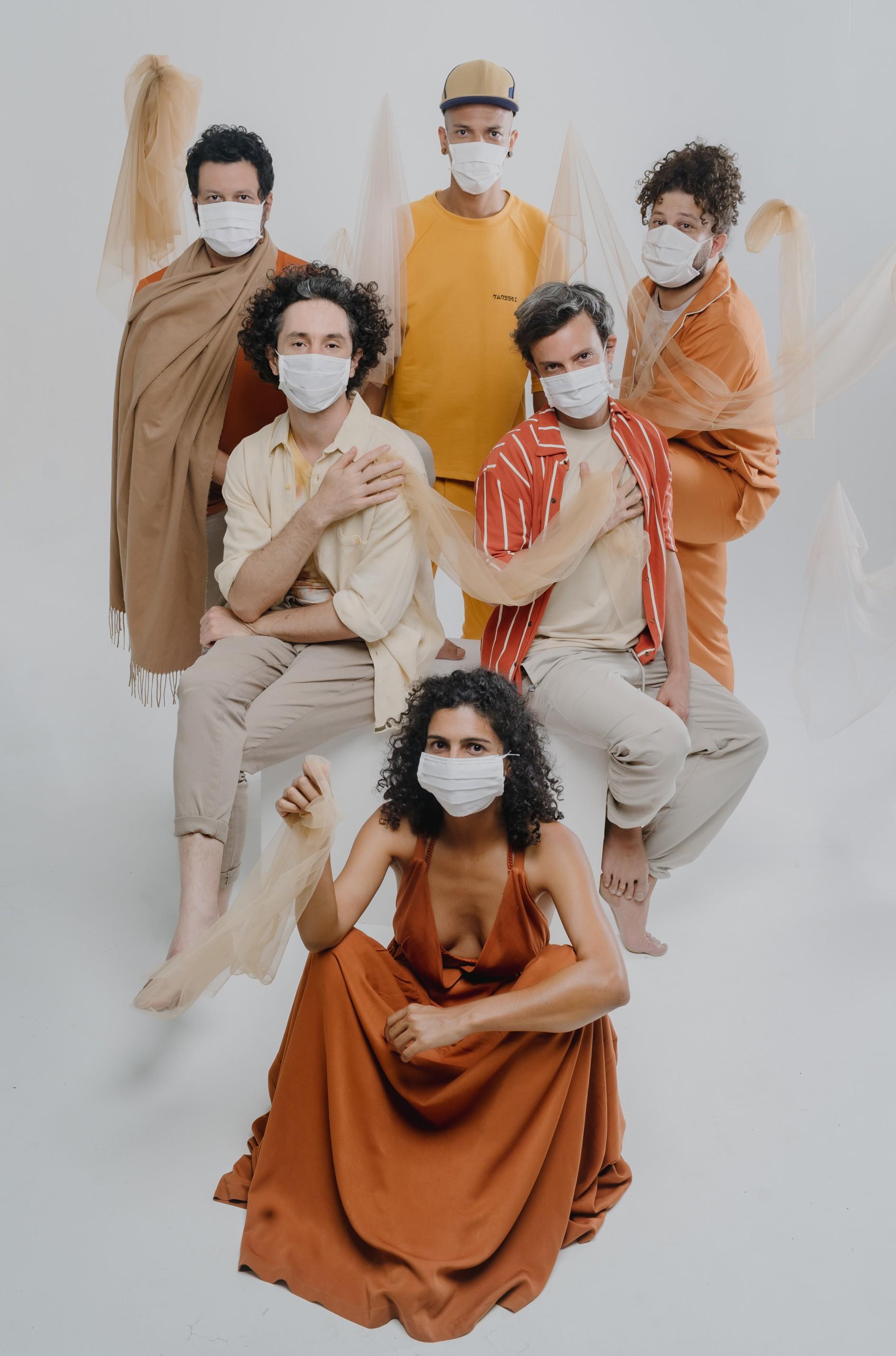 Em mutação, Graveola lança álbum gerado em imersão da banda em fazenda