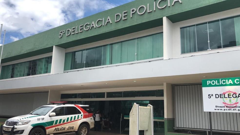 Fachada da 5ª DP — Foto: Fred Ferreira/TV Globo