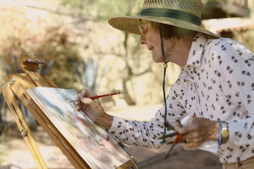 Desafio para quem vai envelhecer só: você tem amigos ou parentes com os quais pode contar num momento difícil?  — Foto: https://commons.wikimedia.org/w/index.php?curid=39688148