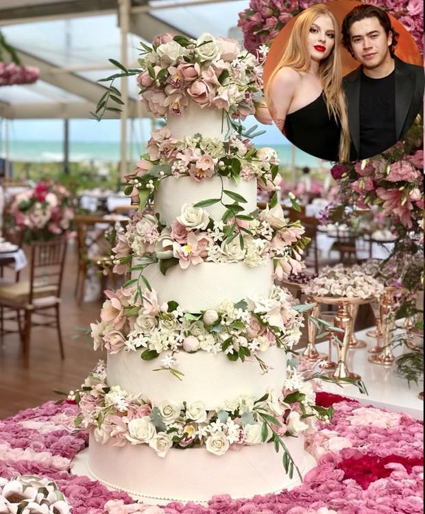 Bolo de casamento de Whindersson Nunes com Luísa Sonza (Foto: Instagram/ Reprodução)