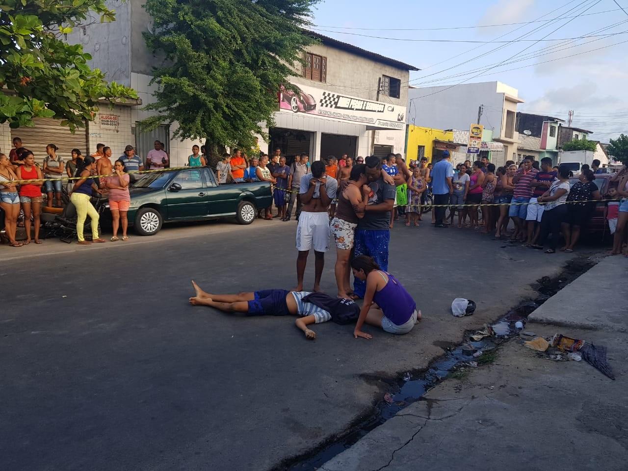 Homem é morto a tiros e suspeito de cometer o crime é preso na Ponta Grossa, em Maceió - Radio Evangelho Gospel