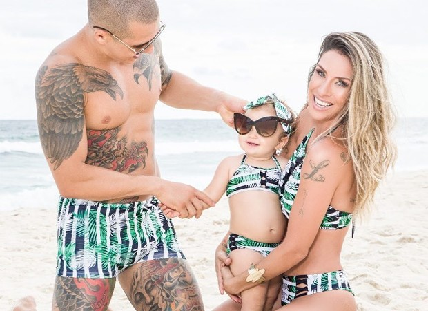 Lizi Benites com o marido,  Wanderson Cardoso, e a filha, Liz (Foto: Reprodução/Instagram)